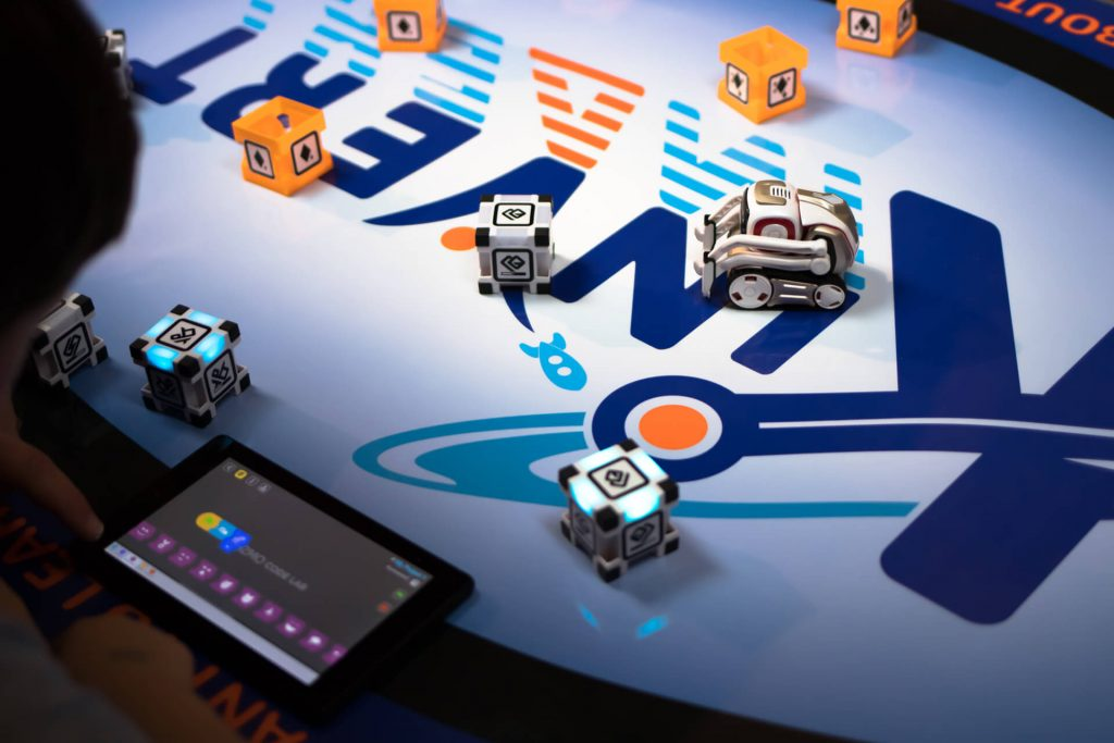 Block coding robotics for kids with Cozmo Code Lab