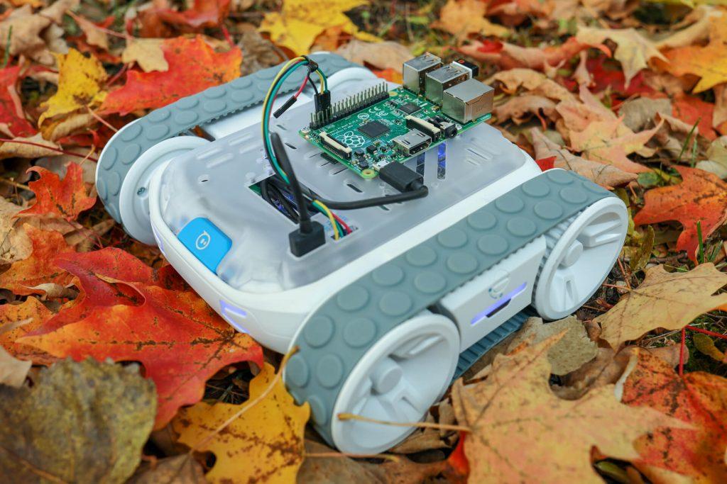 Sperho RVR SDK Outroods with Raspberry Pi and Python by Kinvert